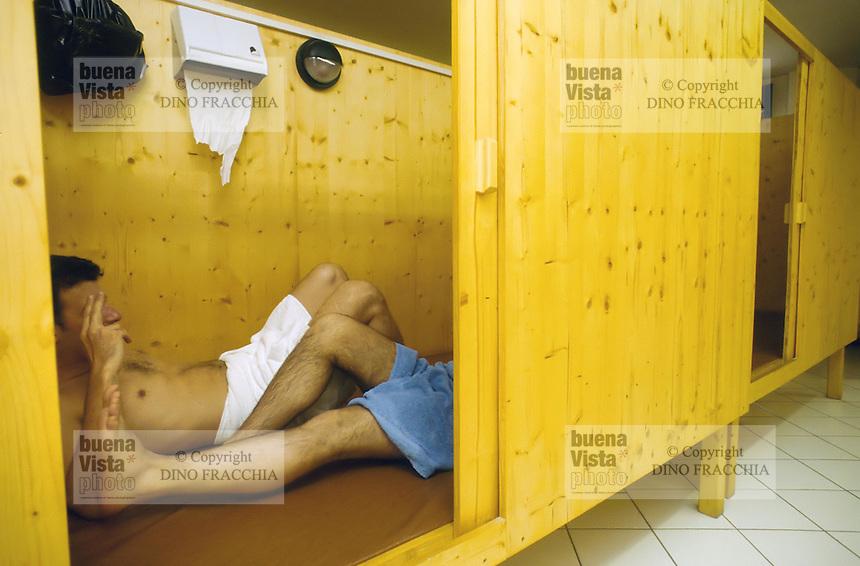 - Bergamo, sauna lounge for gay people....- Bergamo, sauna per gay