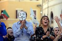 Roma, 11 Ottobre 2017<br /> maschera di guy fawkes<br /> Movimento 5 Stelle in Piazza Montecitori contro la fiducia al Governo per la Legge Elettorale Rosatellum Bis