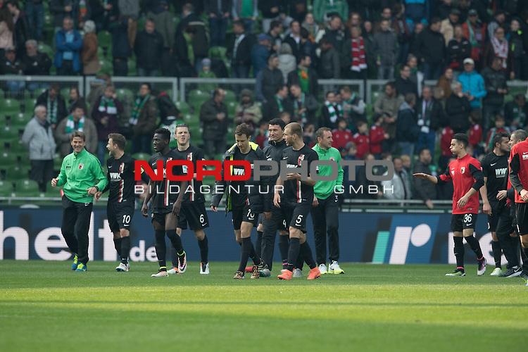 09.04.2016, Weser Stadion, Bremen, GER, 1.FBL. Werder Bremen vs FC Augsburg, im Bild<br /> <br /> <br /> Jubel bei Augsburg nach dem Sieh in Bremen<br /> <br /> Foto &copy; nordphoto / Kokenge