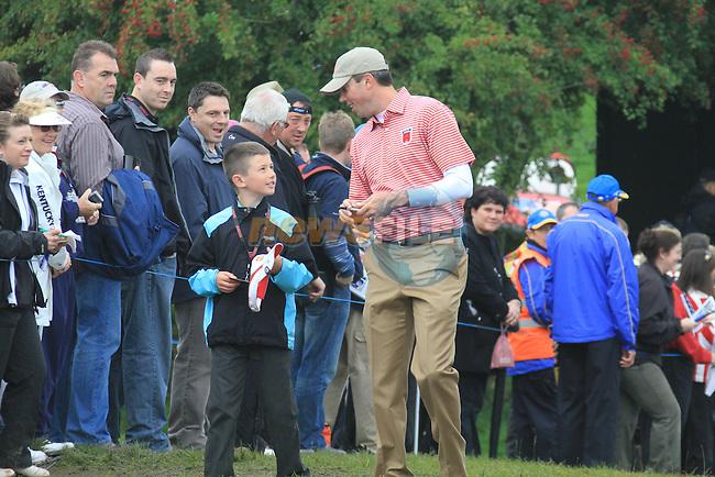 2010 Ryder Cup at the Celtic Manor twenty ten course, Newport Wales, 30/9/2010 Practice Day 3..Matt Kuchar sign autographs.Picture Fran Caffrey/www.golffile.ie.