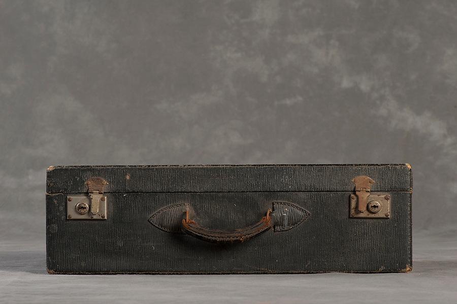 Willard Suitcases / William M / ©2014 Jon Crispin