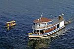 Transporte fluvial no Rio Amazonas, Manaus. 2000. Foto de Juca Martins.