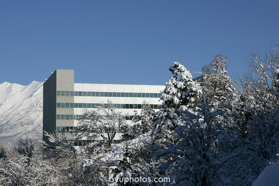 GCS Campus with Snow.January 7, 2004.Photography by Mark A. Philbrick.TNRB Tanner Building