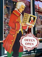 Oesterreich, Salzburger Land, Salzburg: Mozartartikel - der Verkaufsschlager | Austria,  Salzburger Land, Salzburg: Mozart products - the longseller