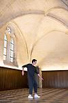 PLAY612<br /> <br /> Daniel Larrieu conception<br /> Daniel Larrieu et Enzo Pauchet interprétation <br /> Virginie Galas régie générale<br /> Collection Daniel Larrieu, Astrakan production diffusion<br /> Cadre : Festival Danse à Royaumont / Entre-Actes/Chorégraphiques #2<br /> Date : 01/09/2018<br /> Lieu : Abbaye de Royaumont / Réfectoire des convers<br /> <br /> Credit photo : Laurent Paillier / Fondation Royaumont