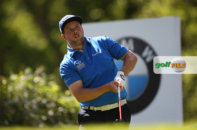 Andrew Johnston (ENG) drives from the 17th during Round One of the 2015 BMW PGA Championship over the West Course at Wentworth, Virginia Water, London. 21/05/2015Picture David Lloyd, www.golffile.ie.