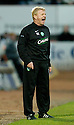 12/11/2006       Copyright Pic: James Stewart.File Name :sct_jspa12_st_mirren_v_celtic.GORDON STRACHAN SHOUTS HIS INSTRUCTIONS.James Stewart Photo Agency 19 Carronlea Drive, Falkirk. FK2 8DN      Vat Reg No. 607 6932 25.Office     : +44 (0)1324 570906     .Mobile   : +44 (0)7721 416997.Fax         : +44 (0)1324 570906.E-mail  :  jim@jspa.co.uk.If you require further information then contact Jim Stewart on any of the numbers above.........
