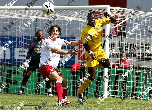 2007-05-13 / FC Antwerp - Union: Luciano Olguin (L) met Andreas Manga van Union.
