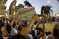 SAO PAULO, SP, 18/06/2013, MANIFESTAÇÃO SÃO PAULO. A capital paulista tem a 6ª Manifestação contra o Aumento da passagem de onibus.    LUIZ GUARNIERI/ BRAZIL PHOTO PRESS