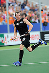 The Hague, Netherlands, June 03: Hugo Inglis #29 of New Zealand in action during the field hockey group match (Men - Group B) between South Africa and the Black Sticks of New Zealand on June 3, 2014 during the World Cup 2014 at GreenFields Stadium in The Hague, Netherlands. Final score 0:5 (0:3) (Photo by Dirk Markgraf / www.265-images.com) *** Local caption ***