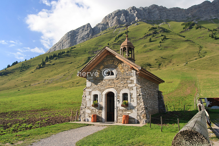 France, Haute-Savoie (74), col des Aravis à 1486 m, la chapelle Saint-Anne // France, Haute Savoie, Pass of Aravis at 1486 m, the chapel St Anne