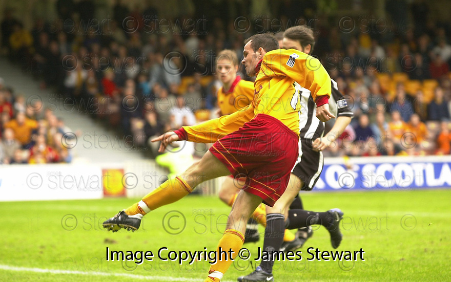 20th May 2001   Copyright Pic : James Stewart .Ref :                           .File Name : stewart17-motherwell v st mirren.STUART ELLIOT SCORES THE THIRD FOR MOTHERWELL......James Stewart Photo Agency, Stewart House, Stewart Road, Falkirk. FK2 7AS      Vat Reg No. 607 6932 25.Office : +44 (0) 1324 630007     Mobile : 07721 416997.Fax     :  +44 (0) 1324 630007.E-mail : jim@jspa.co.uk.If you require further information then contact Jim Stewart on any of the numbers above.........