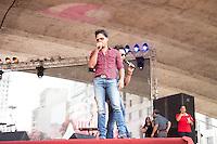 SAO PAULO, SP, 01 DE MAIO DE 2013 - FESTA CUT NO ANHANGABAÚ - Os cantores Joao Lucas e Marcelo durante Festa do Dia do Trabalho na Praça do Anhangabaú em São Paulo, nesta quarta-feira, 01. FOTO: MARCELO BRAMMER / BRAZIL PHOTO PRESS