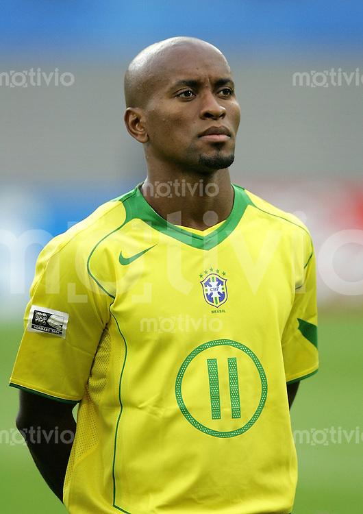 FIFA Confederations Cup Leipzig Brasilien - Griechenland (3:0) Ze Roberto (BRA), Portrait.