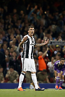Calcio, Champions League: finale Juventus vs Real Madrid. Cardiff, Millennium Stadium, 3 giugno 2017.<br /> Juventus&rsquo; Mario Mandzukic celebrates after scoring during the Champions League final match between Juventus and Real Madrid at Cardiff's Millennium Stadium, Wales, June 3, 2017. <br /> UPDATE IMAGES PRESS/Isabella Bonotto
