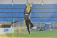 PIRACICABA,SP, 28.07.2016 - FUTEBOL-XV. O goleiro Douglas Baldini durante treino do XV de Piracicaba no Estádio Barão da Serra Negra, em Piracicaba, interior de São Paulo, nesta sexta-feira, 28.  ( Foto: Mauricio Bento/ Brazil Photo Press)