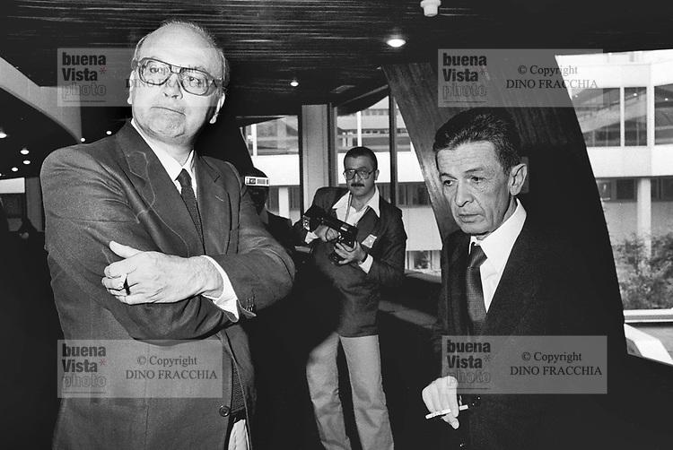 - Bettino Craxi, segretario del PSI (Partito Socialista Italiano) con Enrico Berlinguer, segretario del PCI (Partito Comunista Italiano), Strasburgo, 1977....- Bettino Craxi, secretary of the PSI (Italian Socialist Party) with Enrico Berlinguer, secretary of the PCI (Italian Communist Party), Strasbourg, 1977