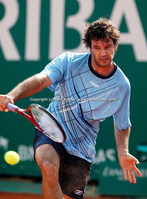 17-4-06, Monaco, Tennis,Master Series, Acasuso in action against Volandri