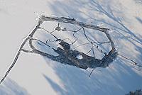 4415/Eisbahn: EUROPA, DEUTSCHLAND, SCHLESWIG- HOLSTEIN 28.01.2006 Reinbeker Muehlenteich, Natueliche Eisbahn, Eishockeyfeld,