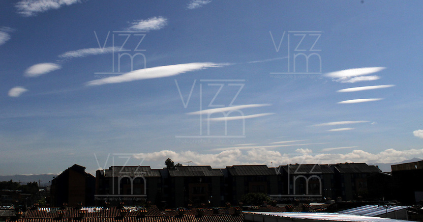 BOGOTA -COLOMBIA- 19 -10-2013. Nubes / clouds .Photo: VizzorImage / Felipe Caicedo / Staff