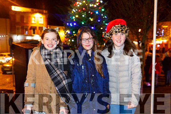 Enjoying  the Listowel Xmas lights on Sunday were Ciara Falen, Chloe Harrington and Laura Lynch