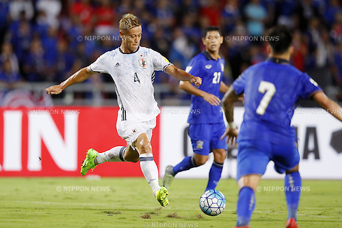 Keisuke Honda (JPN), SEPTEMBER 6, 2016 - Football / Soccer : FIFA World Cup Russia 2018 Asian Qualifier Final Round Group B match between Thailand 0-2 Japan at Rajamangala National Stadium, Bangkok, Thailand. (Photo by Yusuke Nakanishi/AFLO SPORT)