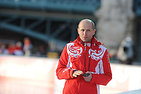 SCHAATSEN: BOEDAPEST: Essent ISU European Championships, 08-01-2012, coach Kosta Poltavets RUS, ©foto Martin de Jong