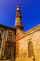 Qutab Minar (sandstone tower), Delhi, India