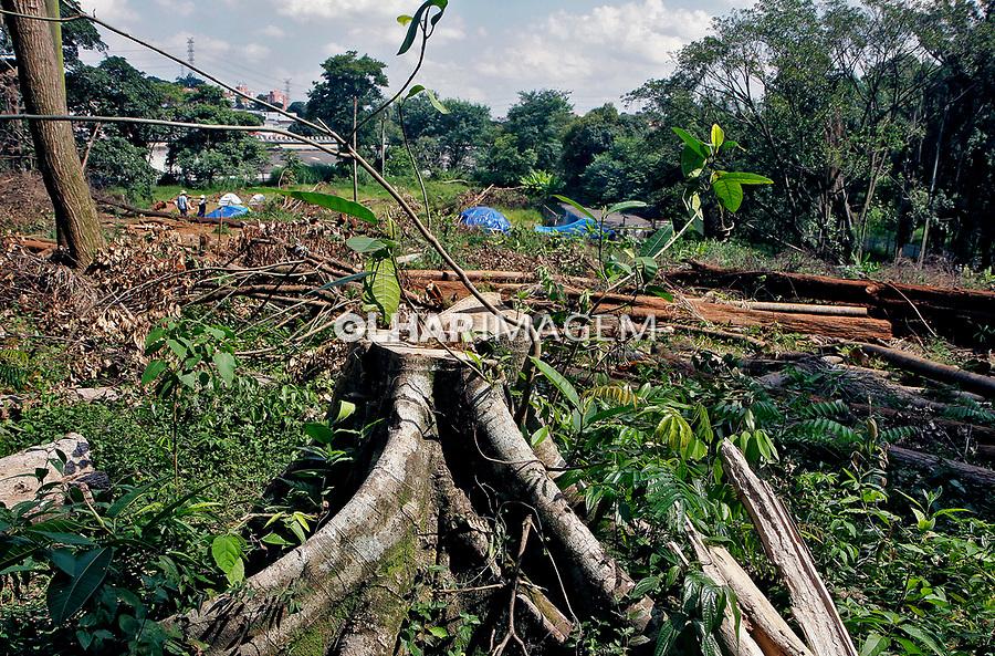 Desmatamento especulaçao imobiliaria, construtora Tenda, Centro Ecológico Yary Ty dos Guaranis, Jaragua. Sao Paulo. 2020. Foto Euler Paixão