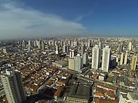 SAO PAULO, SP, 21/09/2013, CLIMA TEMPO. O ultimo final de semana do inverno começo com sol nesse sabado (21). A primavera 2013 começa amanhã (22) as 17:44hs, fotos feita sobre o bairro da Mooca. LUIZ GUARNIERI/ BRAZIL PHOTO PRESS.