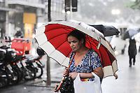 SAO PAULO, SP, 08 MARÇO 2013 -CLIMA TEMPO- Chuva na Av.  Xavier de Toledo, na regiao central de Sao Paulo, na tarde desta sexta-feira, 08. (FOTO: ADRIANO LIMA / BRAZIL PHOTO PRESS).