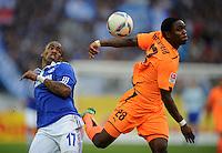 FUSSBALL   1. BUNDESLIGA   SAISON 2011/2012    11. SPIELTAG FC Schalke 04 - 1899 Hoffenheim                            29.10.2011 Jefferson FARFAN (li, Schalke) gegen Edson BRAFHEID (re, Hoffenheim)