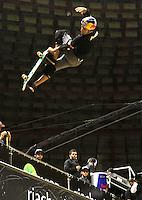 ATENCÃO EDITOR: FOTO EMBARGADA PARA VEICULO INTERNACIONAL - SÃO PAULO, SP, 30 SETEMBRO 2012 -  PRO RAD JUMP FESTIVAL - Final Skate Vertical Professional do Pro Rad Jump Festival Que teve o skater Sandro Dias (foto) que aos 35 anos ficou quarto lugar, o festival aconteceu no Ginásio do Ibirapuera no Ibirapuera na zona sul da capital paulista nesse domingo,30. (FOTO: LEVY RIBEIRO / BRAZIL PHOTO PRESS)