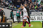 09.02.2019, HDI Arena, Hannover, GER, 1.FBL, Hannover 96 vs 1. FC Nuernberg<br /> <br /> DFL REGULATIONS PROHIBIT ANY USE OF PHOTOGRAPHS AS IMAGE SEQUENCES AND/OR QUASI-VIDEO.<br /> <br /> im Bild / picture shows<br /> Simon Rhein (Nuernberg #38) verl&auml;sst den Platz nach Rote Karte / Platzverweis, Michael K&ouml;llner / Koellner (Trainer 1. FC Nuernberg) tr&ouml;stet Rhein,<br /> <br /> Foto &copy; nordphoto / Ewert