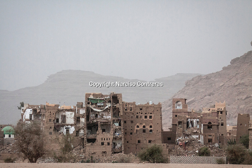 Wednesday 15 July, 2015: House buildings targeted by airstrikes are seen in the outskirts of Sa'dah, a city subdued to heavy bombarments carried out by the Saudi-led coalition in the northern province of Sa'dah, the stronghold of the Houthi's movement in Yemen. (Photo/Narciso Contreras)