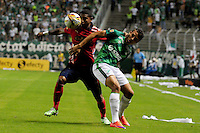 CALI -COLOMBIA-03-06-2015. Andres Roa (Der.) jugador de Deportivo Cali disputa el balón con Jherson Cordoba (Izq) jugador de Independiente Medellin durante partido de ida de la final entre Deportivo Cali y Indpendiente Medellin por la Liga Aguila I 2015 jugado en el estadio Deportivo Cali (Palmaseca) de la ciudad de Cali. / Andres Roa (R) player of Deportivo Cali fights for the ball with Jherson Cordoba (L) players of Indpendiente Medellin during a first leg match of the final between Deportivo Cali and Indpendiente Medellin for the Liga Aguila I 2015 played at the Deportivo Cali (Palmaseca) stadium in Cali city.Photo: VizzorImage/ RN  / Cont