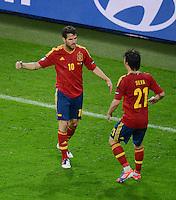 FUSSBALL  EUROPAMEISTERSCHAFT 2012   VORRUNDE Spanien - Irland                     14.06.2012 Torjubel nach dem 4:0: Cesc Fabregas (li) und David Silva (re, beide Spanien)