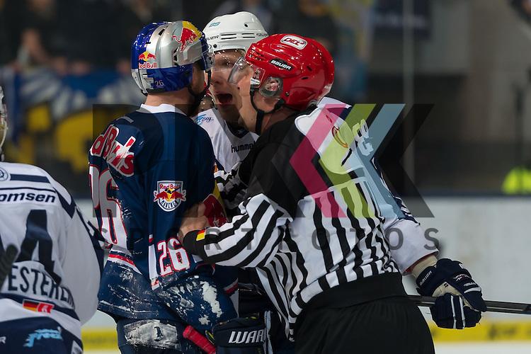 Eishockey, DEL, EHC Red Bull M&uuml;nchen - Hamburg Freezers <br /> <br /> Im Bild David WOLF (Hamburg Freezers, 89) geht Toni S&Ouml;DERHOLM (Soederholm Soderholm, EHC Red Bull M&uuml;nchen, 26) an und erh&auml;lt daf&uuml;r eine 10 Minuten Disziplinarstrafe beim Spiel in der DEL EHC Red Bull Muenchen - Hamburg Freezers.<br /> <br /> Foto &copy; PIX-Sportfotos *** Foto ist honorarpflichtig! *** Auf Anfrage in hoeherer Qualitaet/Aufloesung. Belegexemplar erbeten. Veroeffentlichung ausschliesslich fuer journalistisch-publizistische Zwecke. For editorial use only.