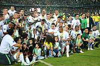 MEDELLÍN - COLOMBIA - 18 - 06 - 2017: Los jugadores de Atletico Nacional, celebran el titulo de campeones de La liga Aguila I, durante partido de vuelta, de la final entre Atletico Nacional y Deportivo Cali, por la Liga Águila I 2017, jugado en el estadio Atanasio Girardot de la ciudad de Medellín. / The players of Atletico Nacional, celebrate the title as champions of the Liga Aguila I, during a match of the second leg of the final between Atletico Nacional and Deportivo Independiente Medellin for the Aguila League I 2017, played at Atanasio Girardot stadium in Medellin city. Photo: VizzorImage / León Monsalve / Cont.