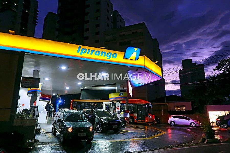 Posto de combustivel, bairro Perdizes, Sao Paulo. 2019. Foto Juca Martins.