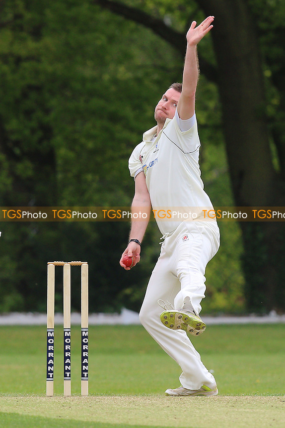 Michael Hindley in bowling action for Shenfield during Wanstead and Snaresbrook CC vs Shenfield CC, Shepherd Neame Essex League Cricket at Overton Drive on 7th May 2016