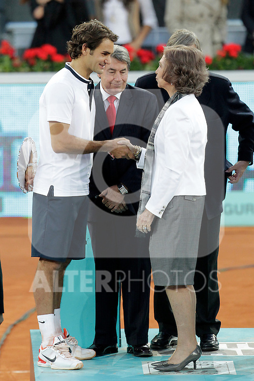 Roger Federer finalist in the Tennis Madrid Open ATP Singles Final with Sofia Queen of Spain and Manolo Santana, May 16,2010..(Alfaqui/Cesar Cebolla)