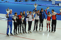 SCHAATSEN: ERFURT: Gunda Niemann Stirnemann Eishalle, 22-03-2015, ISU World Cup Final 2014/2015, Wold Cup winners, Pavel Kulizhnikov (RUS), Nao Kodaira (JPN), Martina Sábliková (CZE), Marrit Leenstra (NED), Brittany Bowe (USA), Heather Richardson (USA), Jorrit Bergsma (NED), Ivanie Blondin (CAN), Denny Morrison (CAN), ©foto Martin de Jong