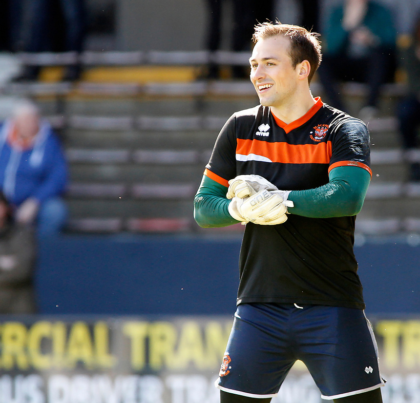 Blackpool's Dean Lyness during the pre-match warm-up <br /> <br /> Photographer David Shipman/CameraSport<br /> <br /> The EFL Sky Bet League Two - Luton Town v Blackpool - Saturday 1st April 2017 - Kenilworth Road - Luton<br /> <br /> World Copyright &copy; 2017 CameraSport. All rights reserved. 43 Linden Ave. Countesthorpe. Leicester. England. LE8 5PG - Tel: +44 (0) 116 277 4147 - admin@camerasport.com - www.camerasport.com