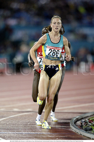 286. SUSIE POWER (AUS), Women's 10,000 Metres Final, 2002 Manchester Commonwealth Games, City of Manchester Stadium, 020730. Photo: Neil Tingle/Action Plus...athletics athletes athlete.runner runners run running.track event distance.woman......................................