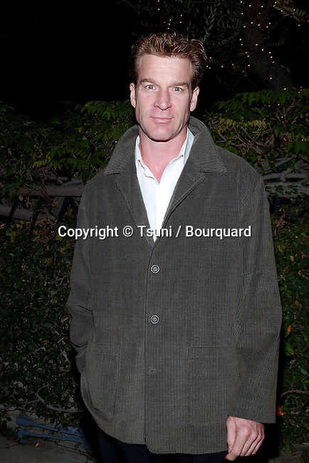 Kevin Kilner arriving at the Unexpeted Man at the Geffen Playhouse in Los Angeles.  September 19, 2001.   © Tsuni          -            KilnerKevin02.jpg