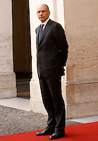 il Presidente del Consiglio Enrico Letta attende l'arrivo del Primo Ministro finlandese a Palazzo Chigi, Roma, 14 ottobre 2013.<br /> Italian Premier Enrico Letta waits to welcome Finland's Prime Minister at Chigi Palace, Rome, 14 October 2013.<br /> UPDATE IMAGES PRESS/Isabella Bonotto