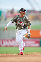 Arkansas Travelers shortstop Joey Wong (21) during a game against the Frisco RoughRiders on May 28, 2017 at Dickey-Stephens Park in Little Rock, Arkansas.  Arkansas defeated Frisco 17-3.  (Mike Janes/Four Seam Images)