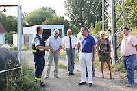 MdB Franz-Josef Jung besucht mit Mitgliedern der CDU Groß-Gerau den THW in Groß-Gerau und lässt sich von Henning Müller (Leiter SEELift, THW OV Groß-Gerau) die verschiedenen Übungsstationen erklären