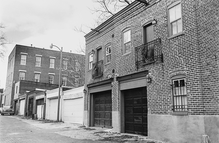 Alley dwelling - 647 constitution North East, on Dec. 22, 1994. (Photo by Laura Patterson/CQ Roll Call via Getty Images)